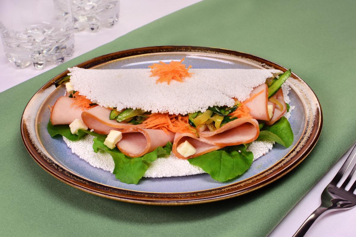 Receita: Tapioca clássica de frigideira - Peito de peru com rúcula